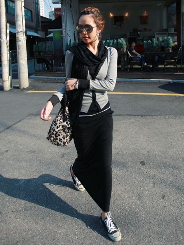 Women Solid Cotton Slim Petal Long Straight Skirt Black