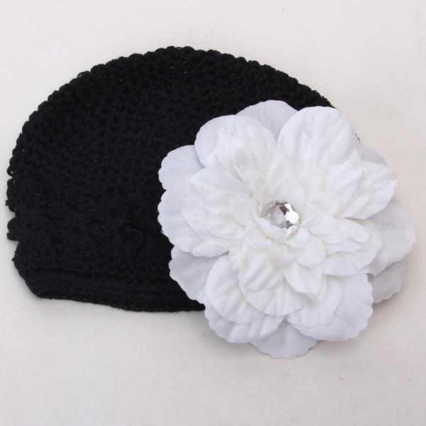 2pcs Crochet Handmade Beanie Cap Hat Rhinestone Peony Flower Hairclip Headwear Black + White