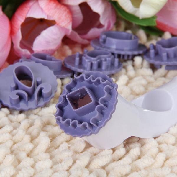 Cake Decorating Cutter Plunger Sugarcraft Fondant Plastic Cooking Tool Set