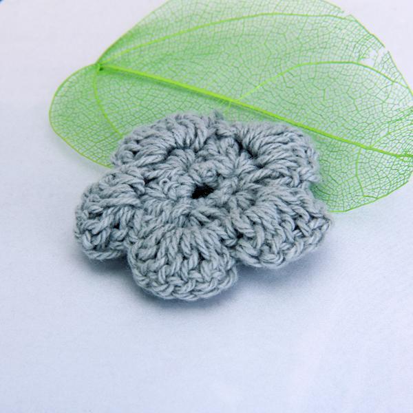 20pcs Grey Handmade Crochet Flower Appliques Sewing Craft