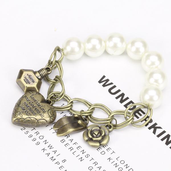 Vintage Elastic Pearl High Heels Perfume Flower Heart Pendant Bracelet
