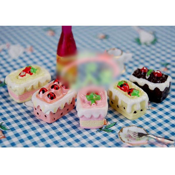 5pcs Miniature Strawberry Cream Cake 1/12 Dollhouse