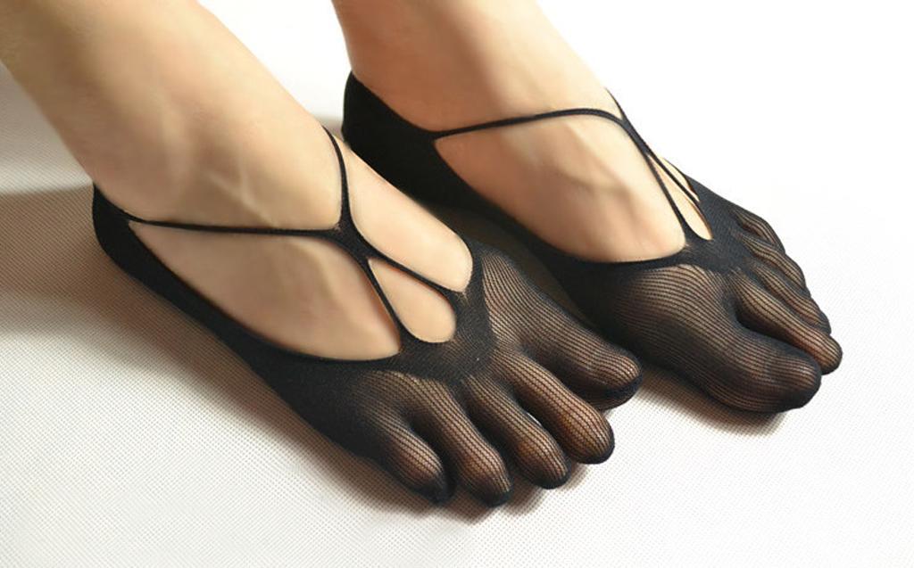 Footful Ladies Mesh Fishnet Elastic Ankle Boat Socks Five Toes 1 Pair Black