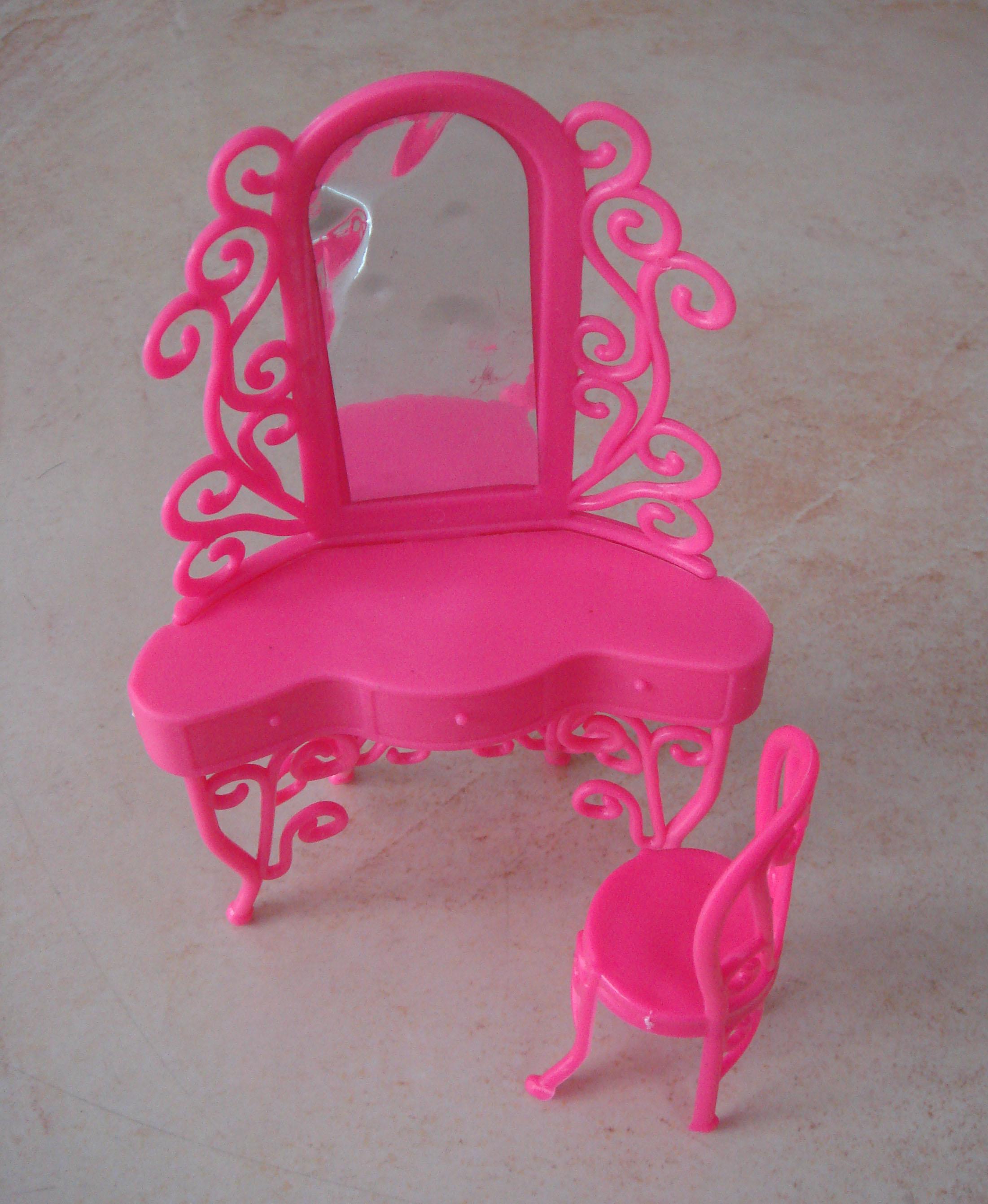 1pcs Doll Accessory Dresser Pink